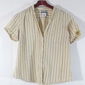 Columbia buttonup shortsleeved shirt